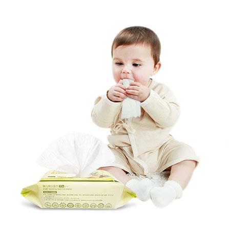 婴儿湿纸巾一箱六包 白